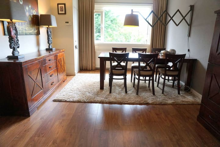 Ruim gezinsappartement van 145 m2 in Wassenaar