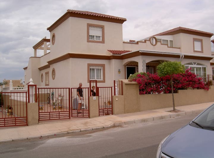 House in Urb. La Marina only 5 min to the beach.