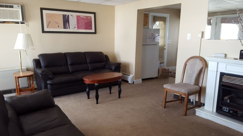 Deluxe Oceanfront Motel & Cottages - Old Orchard Beach - Apartment