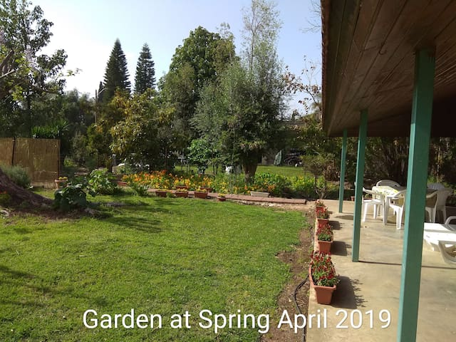 Two Bedroom Apt. with garden view in Hula Valley