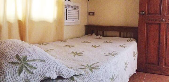 Tia Beth's Bed and Breakfast- Daraga