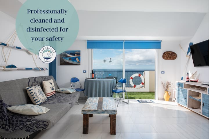 Nautical Loft *Beachfront *Terraces *Parking