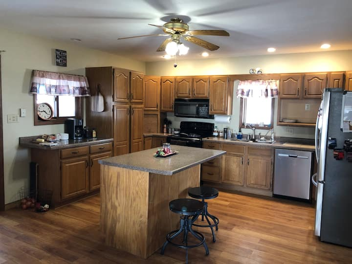Snowmobilers Welcome - 2 Bedrooms in Our Home