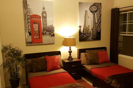 P2 Luxury on a budget! Twin Bed (Palo Verde Room) - Phoenix