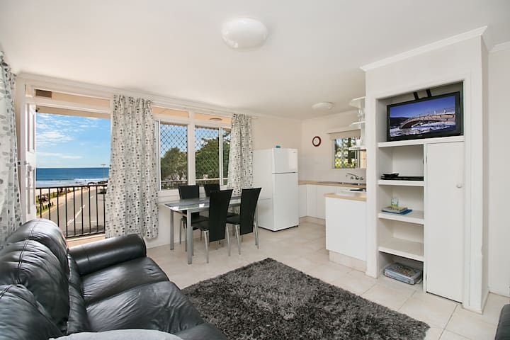 Pacific View unit 3 - Balcony with ocean views Beachfront Rainbow Bay Coolangatta