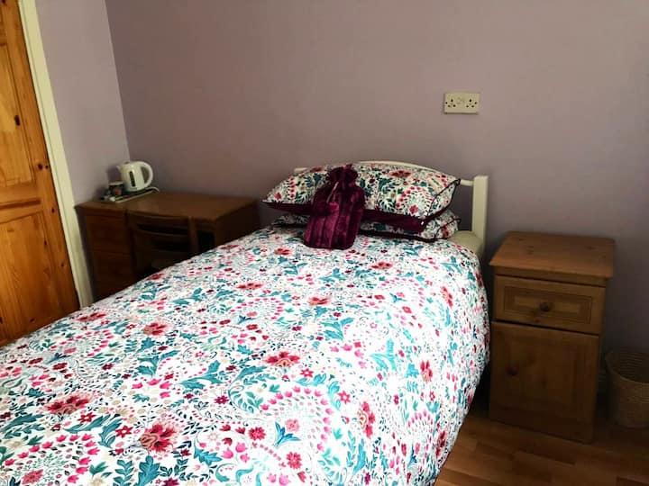 Single room in Kellys Point's Cross (Room 2 of 2)