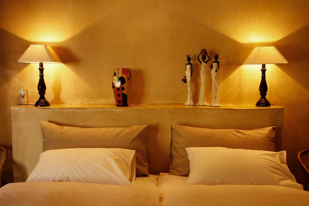 The Old Barnyard room offers twin Beds