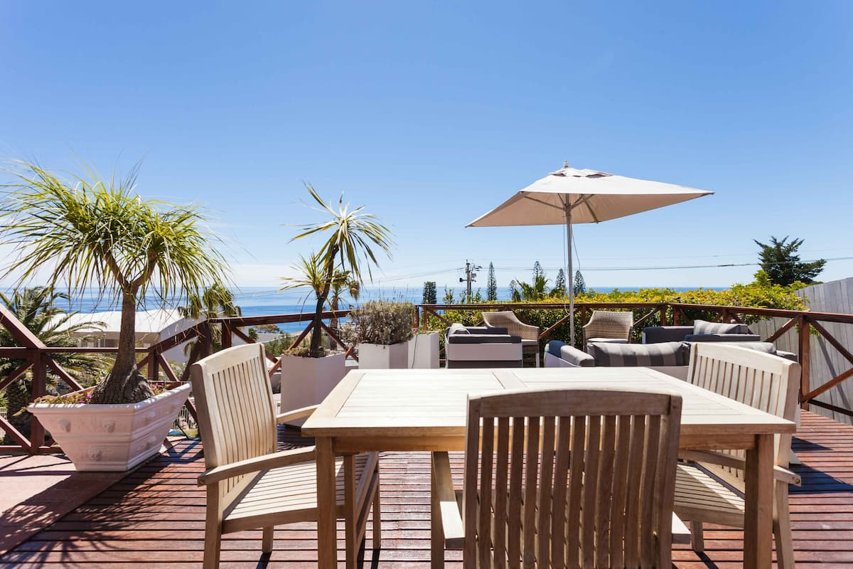 Stunning Ocean Views from Camps Bay Retreat