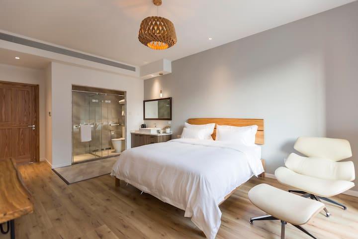 Master bedroom near Disneyland/private balcony/28㎡