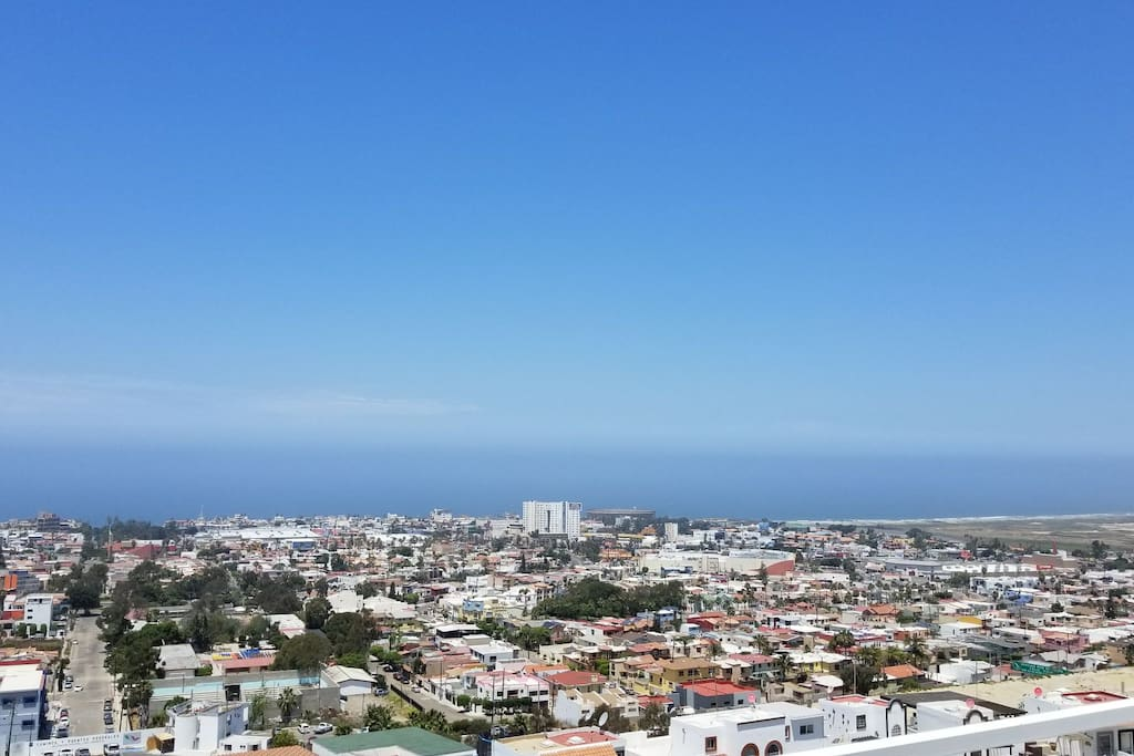 amazing panoramic view of the Pacific, MX/US