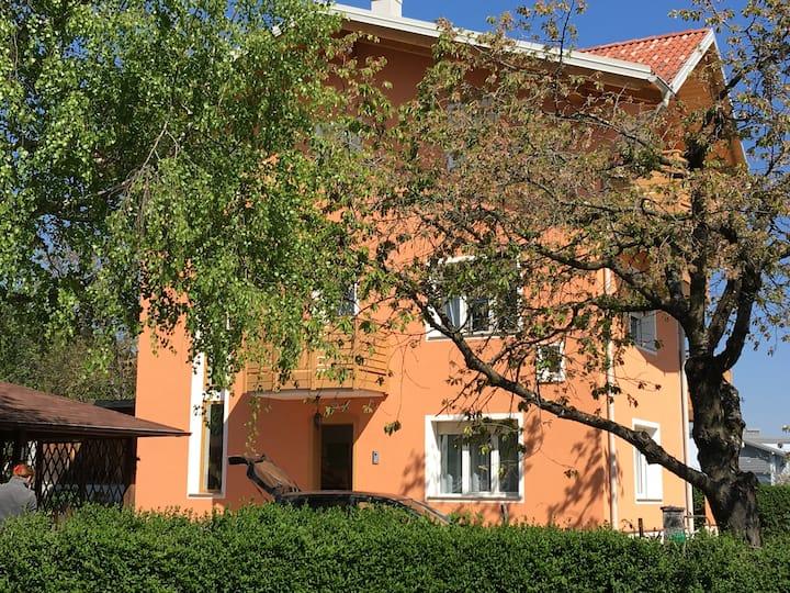 Accogliente appartamento vicino ai laghi e città