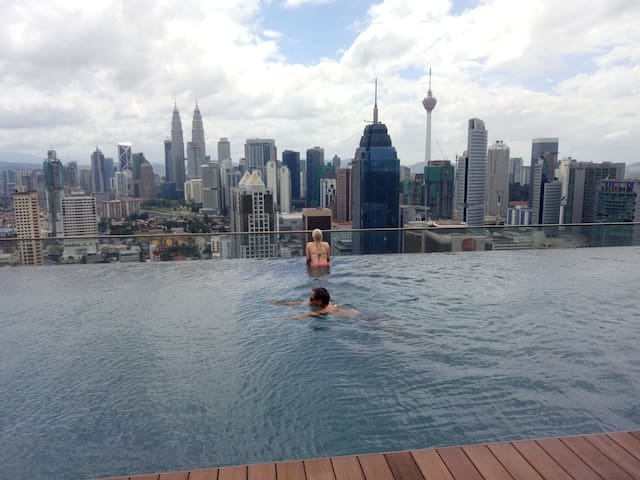Two Swimming Pool !Great View! KL City Center!