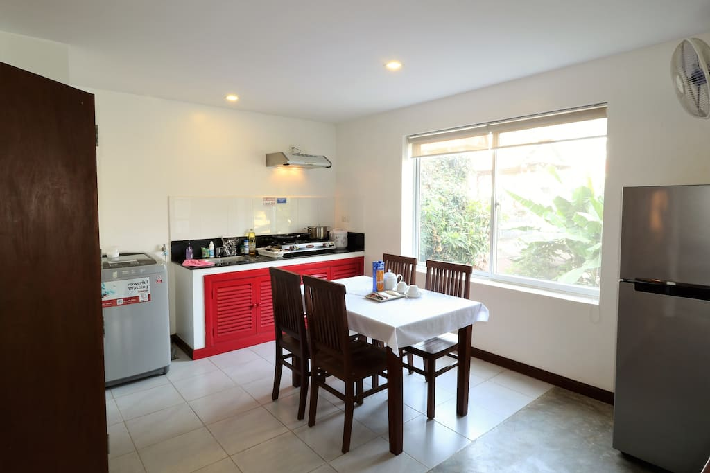Fully equipped kitchen with all cooking utensils and plates and cutlery for up to 6 guests