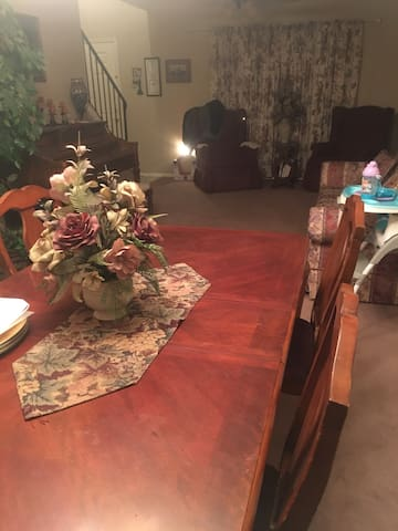 Formal dining/living room