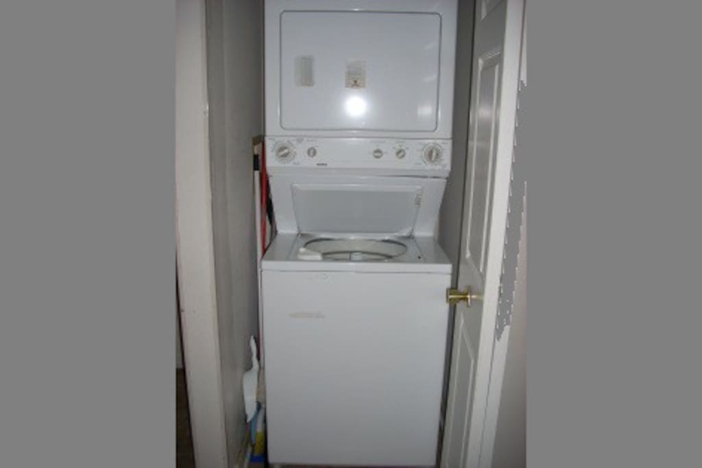 Washer/Dryer - 2nd Floor