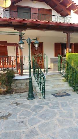 village lachoura - Nea Kallikratia - Hus