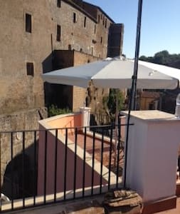 The Castle on my Terrace - Calcata Vecchia - Talo