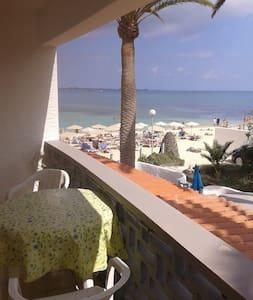Apartamento 1º linea de playa,centro de Corralejo. - Corralejo