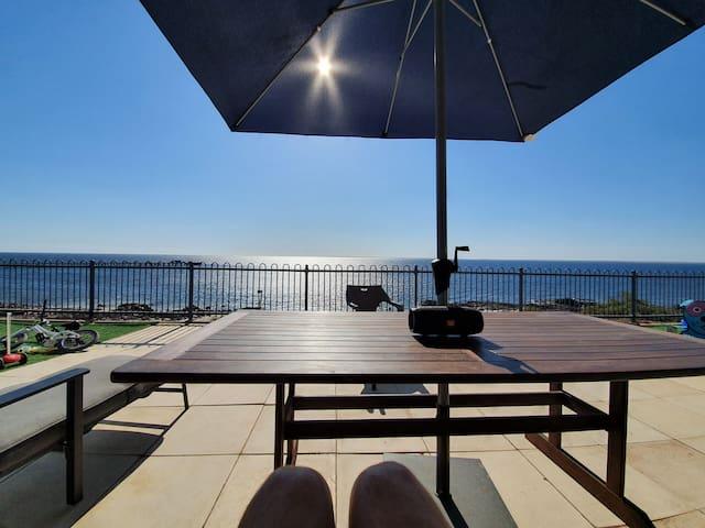 Pelican Place, ocean front in Port Victoria
