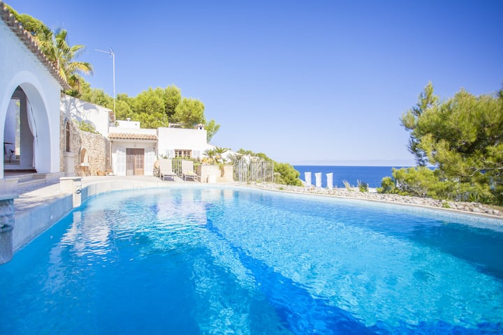 RAM DE MAR - Villa with sea views in Font de Sa Cala. Free WiFi