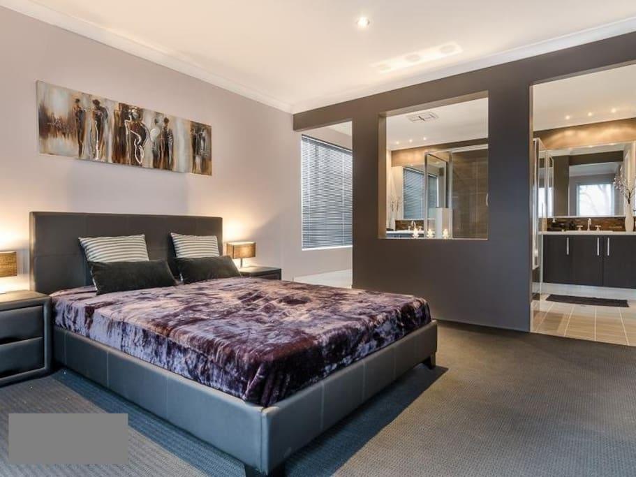 Resort style beach house jindalee houses for rent in for Beds jindalee