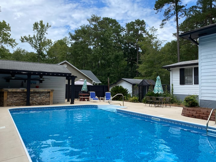 Clarks Hill Lake house with private pool.