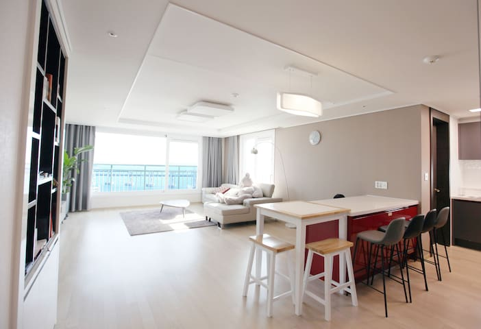 Cozy and spacious house with a beautiful Oceanview - Suyeong-gu - Appartement