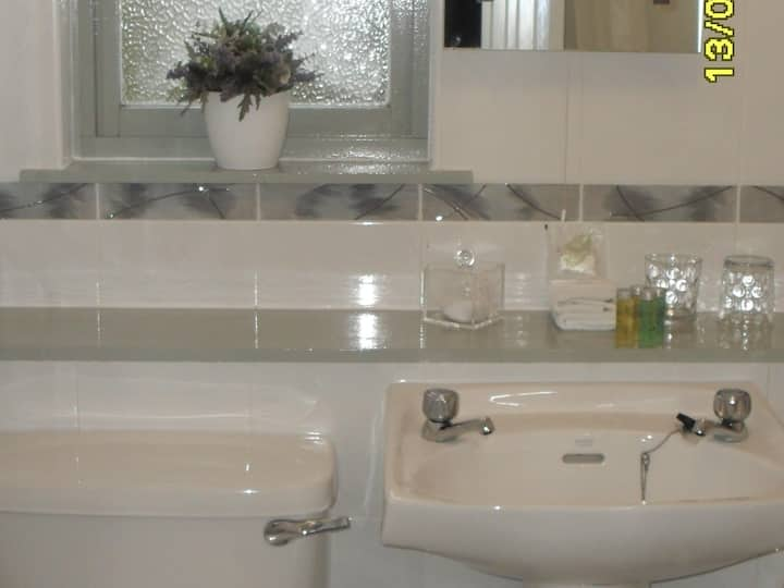 Large Double or Twin - Ensuite - with Garden View