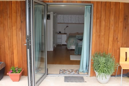 Self Contained annexe room, en suite, kitchenette