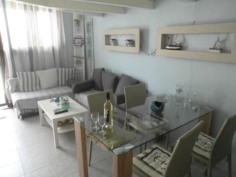 Modern apartment 100m. from the sea