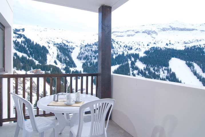 Sit on your balcony or terrace and relax! (Note: views may vary).