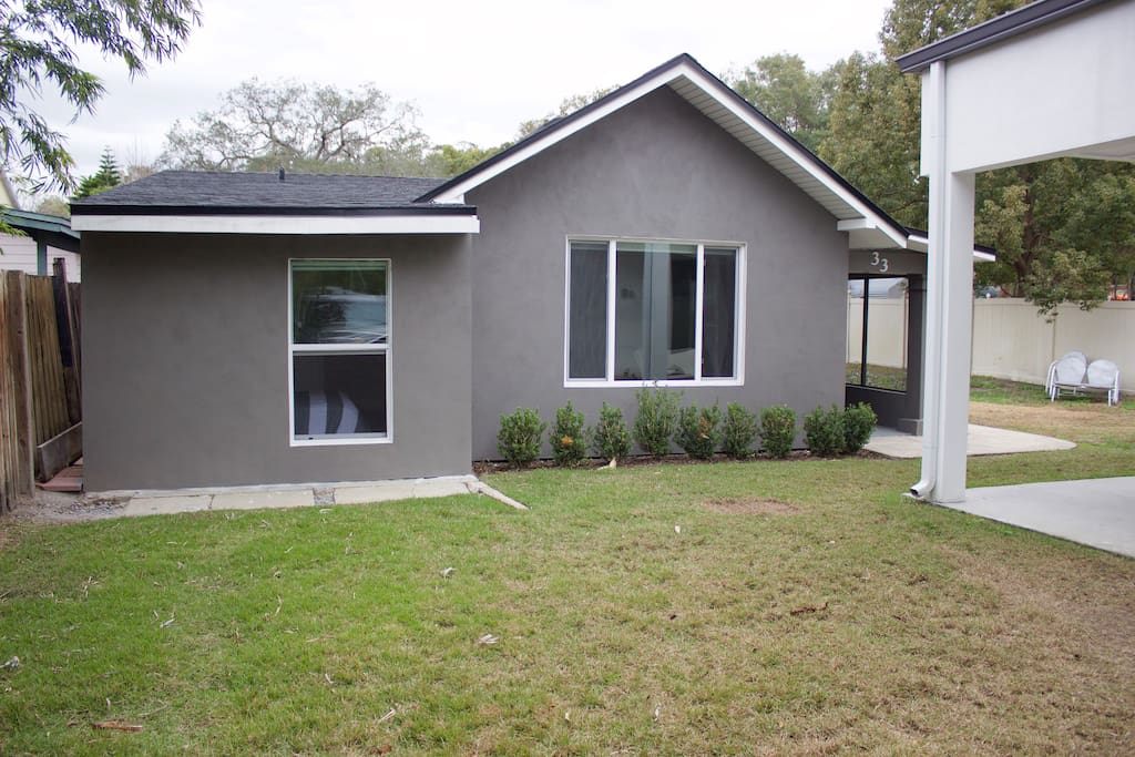 Adorable Downtown Orlando guesthouse bungalow