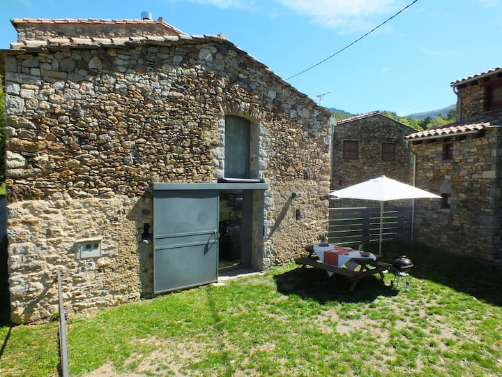 Nice Mountain Holiday Cottage. Catalan Pyrenees.