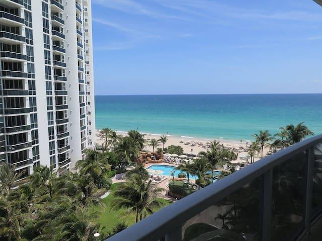 Relaxing 1BR w/ Ocean view @Trump Resort #D235
