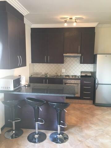 Spacious private apartment- Fourways, Sandton