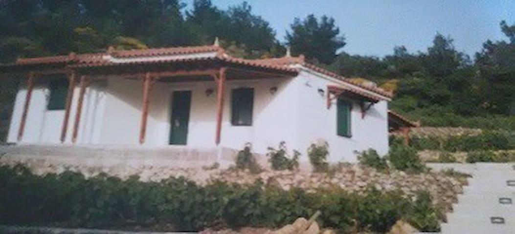 Εξοχική κατοικία στα Ρύκια περιοχής Πλατάνου Σάμου