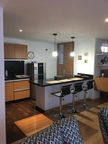 Precioso y Moderno Apartamento Amplio y Seguro