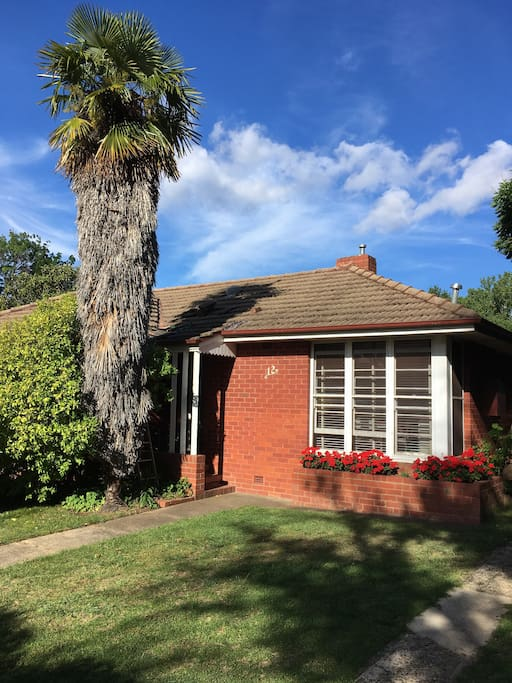 Typical 1950 Canberra red brick, heritage listed.
