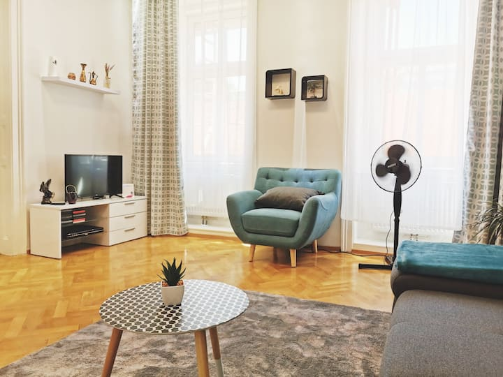 ⭐🌟⭐Comfortable & Modern Apartment in the City⭐🌟⭐