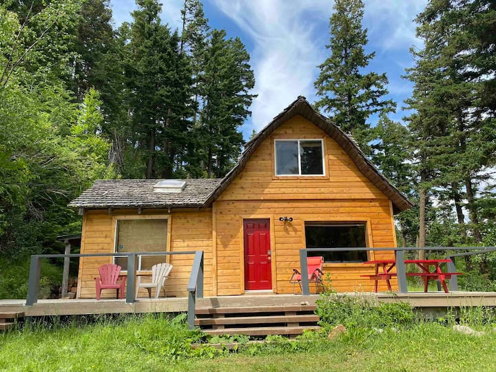 Rustic Cabin at Tyaughton Lake