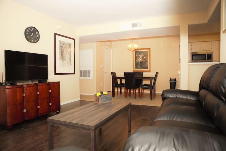 Near Strip: 2 Bedroom/2 Bathroom Condo 1st Floor - Las Vegas - Wohnung