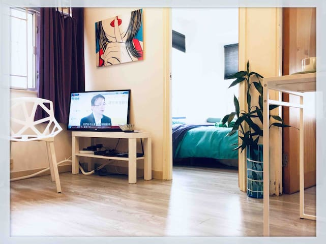 2BR/Cozy/9floor/MongKok/Ladies Mkt旺角地鐡女人街高層方便清靜舒適