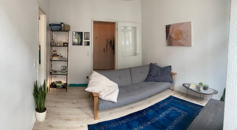 Comfy and Colorful Flat in Central Mitte