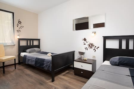 Apartment Sandy bay 2