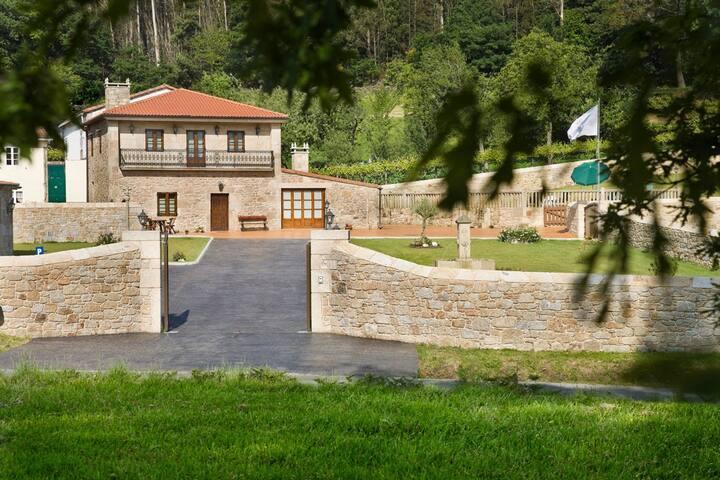 Casa rural a 15 min. Santiago y 10 min. playas