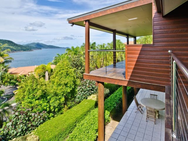 Whitsunday Views 3 - Hamilton Island - Villa
