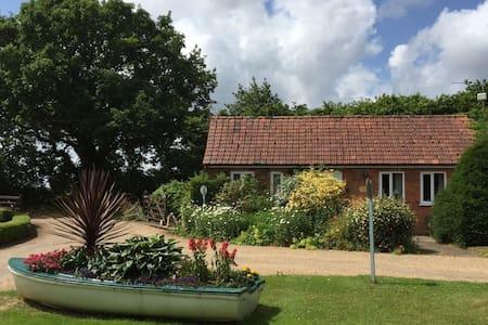 Kiln Cottage - 8 miles from coast - Barney - 公寓