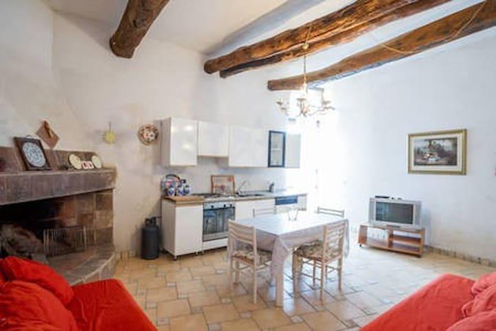 Loft accogliente nel centro storico di Vasanello
