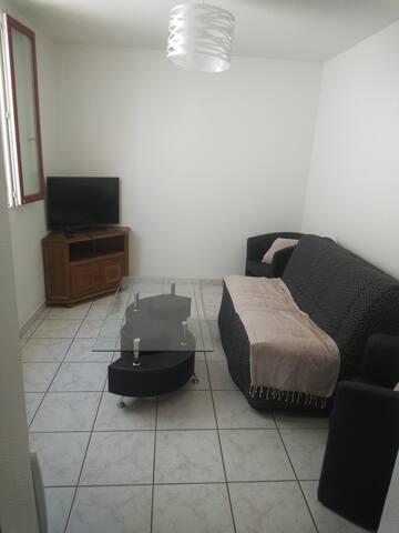 Logement entier-Duplex avec extérieure à MONTLUCON