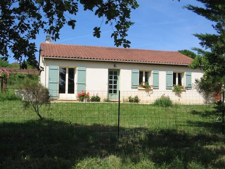 Sur La Braye - Sunny Villa in Medieval Wonderland